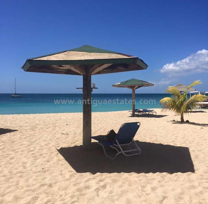Turners-Beach-wood-umbrellas-and-chairs